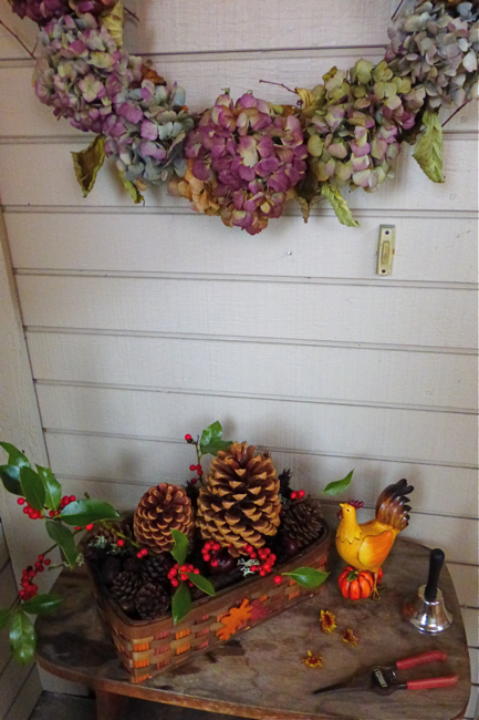 styling the seasons november, styling the seasons, wreath, hydrangea wreath, dried hydrangea wreath