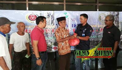 Serikat Pekerja Indocement dan CSR Bagikan 600 Paket Sembako