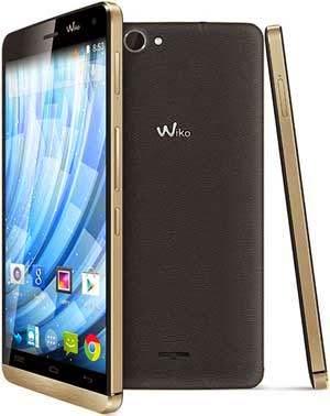 Ponsel Lokal Ini Libas iPhone dan Pepet Samsung