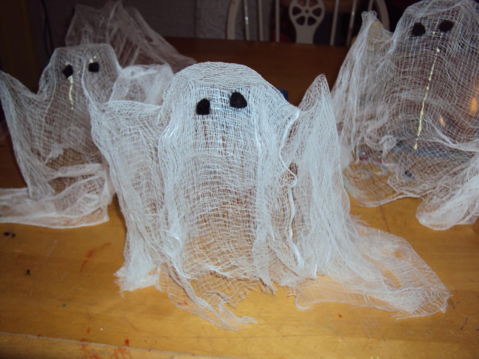 info garderie bricolage d 39 halloween citrouilles fant mes et momies. Black Bedroom Furniture Sets. Home Design Ideas