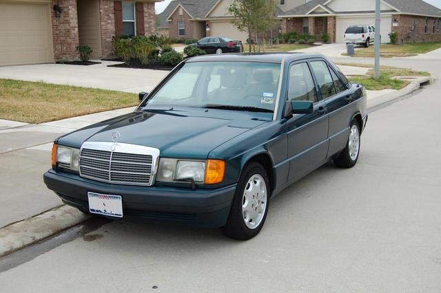 Mercedes benz 190e w201 green original oldtimer benztuning for Mercedes benz green