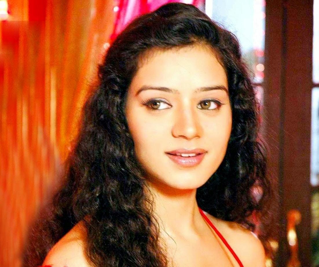 Watch Sukirti Kandpal 2007 video