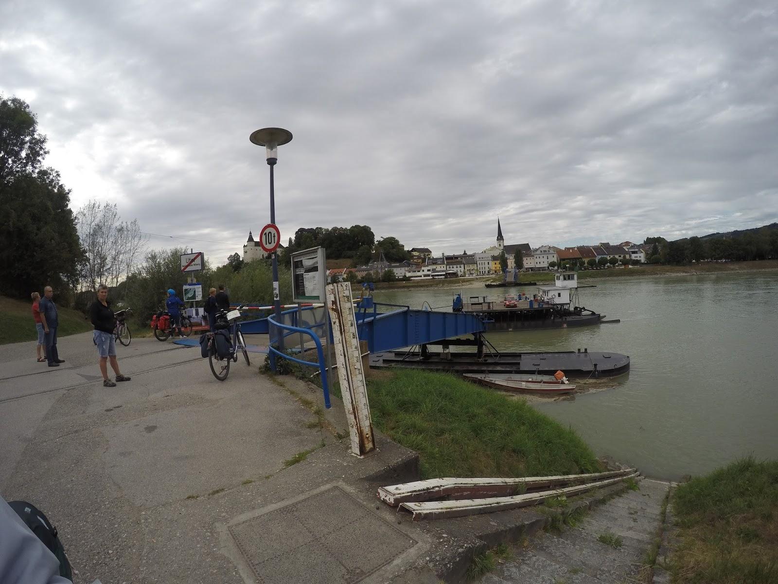 Bisiklet Üstünde...: Tuna Nehri Bisiklet Turu - Passau\'ya varış ve 1 ...