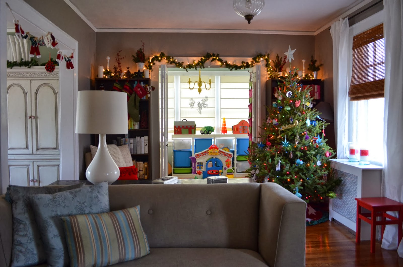 in the little yellow house christmas decorating 2013 indoors