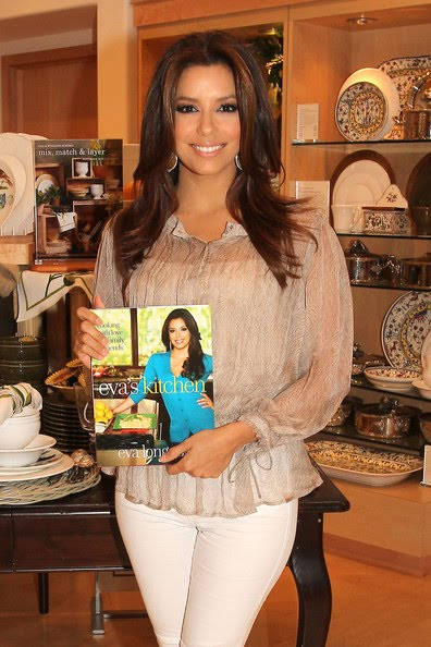 Star: Eva Longoria signs copies of her new cook book \