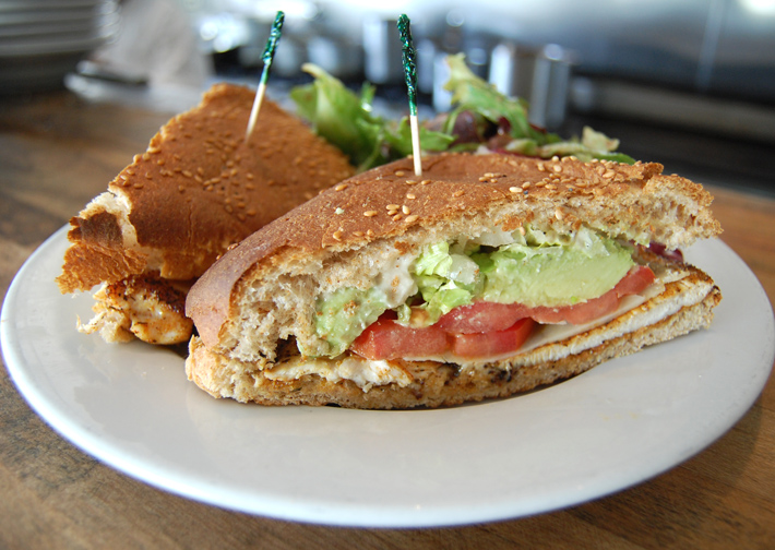 blackened+chicken+sandwich+avocado+tomato+wheat+bread+lunch.jpg