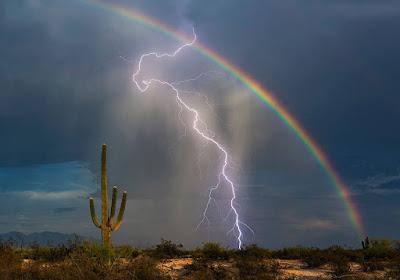 fotó, természeti jelenség, Greg McCown, villámlás, szivárvány,
