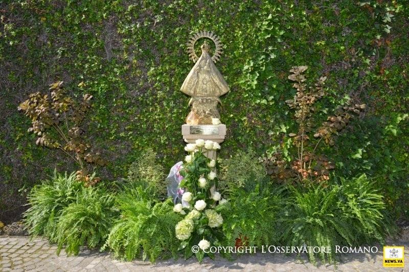 Gaspar el lugare o august 2014 for Jardines vaticanos