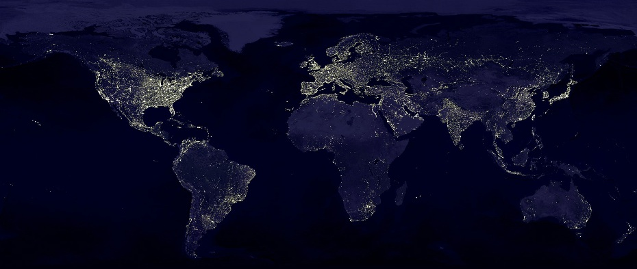 Distribución de la electricidad de noche en el Planeta Tierra. África sigue esperando sus enchufes.
