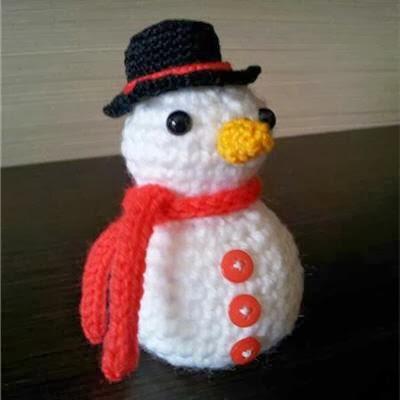 muñeco de nieve de ganchillo
