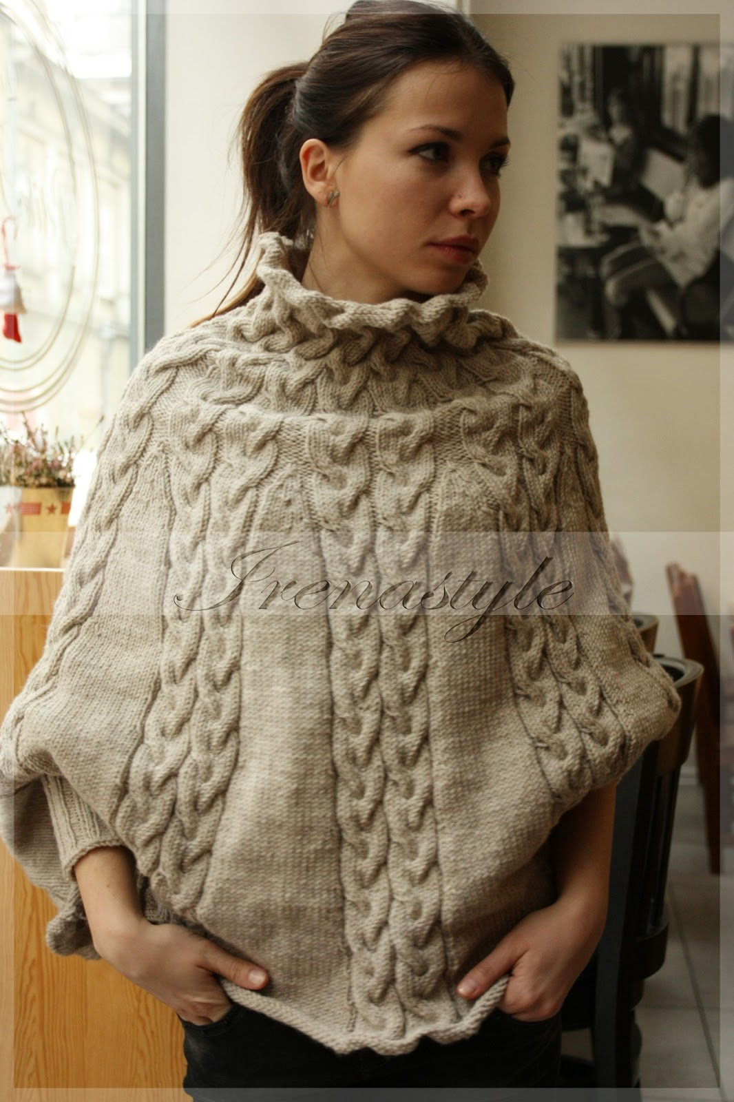 Knitting Pattern For Cape With Sleeves : Crochet Story & Irenastyle: Le petit dejeuner