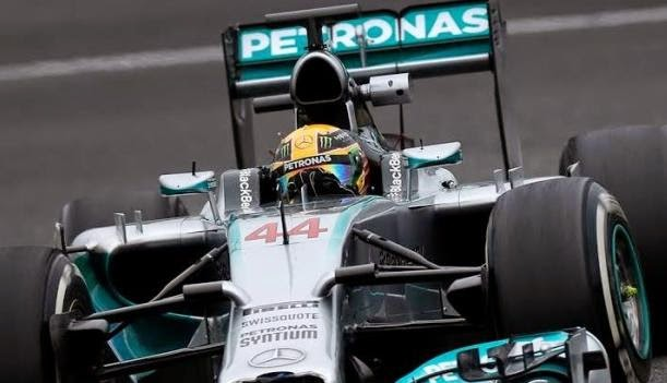 Mercedes F1 de şampiyonluğa yürüyor