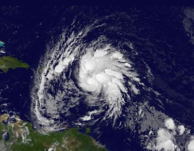 IRENE immer wahrscheinlicher als Hurrikan über die Dominikanische Republik, 2011, Dominikanische Republik, aktuell, Atlantik, August, Guadaloupe, Haiti, Hurrikansaison 2011, Karibik, Kleine Antillen, Sturmwarnung, Touristen,