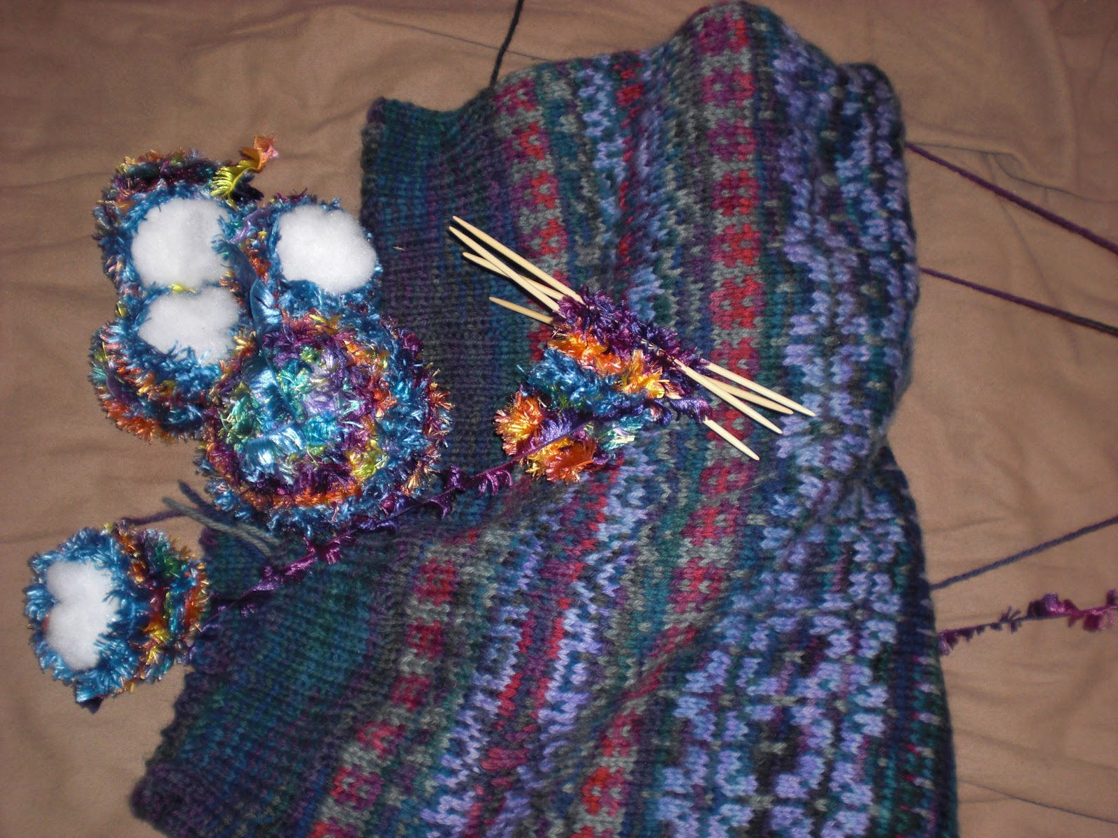 A Different Drum Beat: Knitting: a love affair with yarn