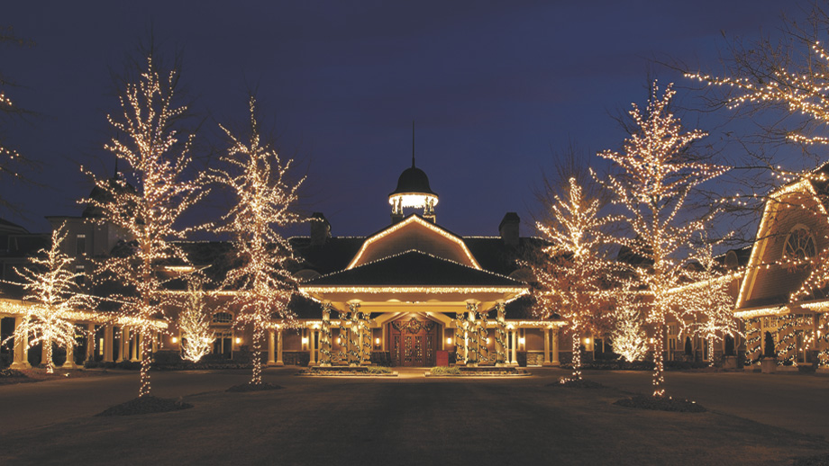 ritz carlton at reynolds plantation all decked out in christmas lights - Antique Christmas Lights