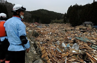 photo image after earthquake tsuname japan