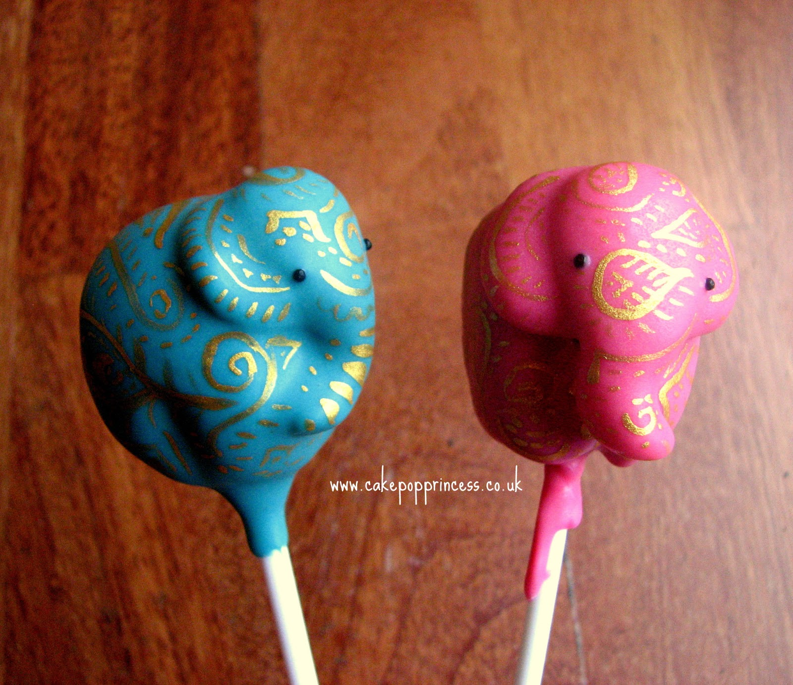 freeflyer skydiver cake pops gnomeo and juliet inspired cake pops