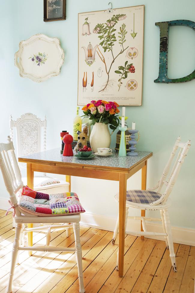 Rustik chateaux 3 cocinas frescas y dulces para tomar nota - Mesa pequena para cocina ...