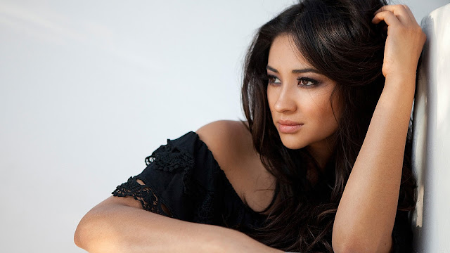 Top 20 Most Beautiful Female Celebrities: Shay Mitchell