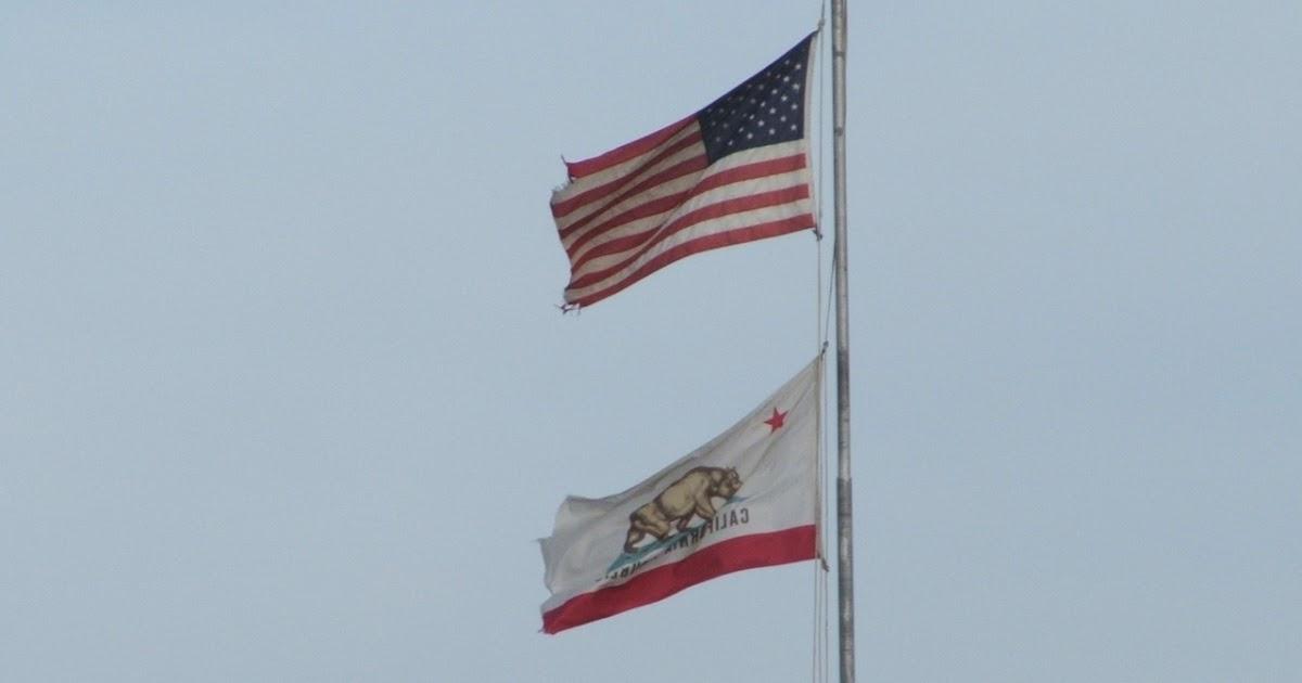 Bear Flag Museum: 2007 California Bear Flag over Sacramento Area High ...