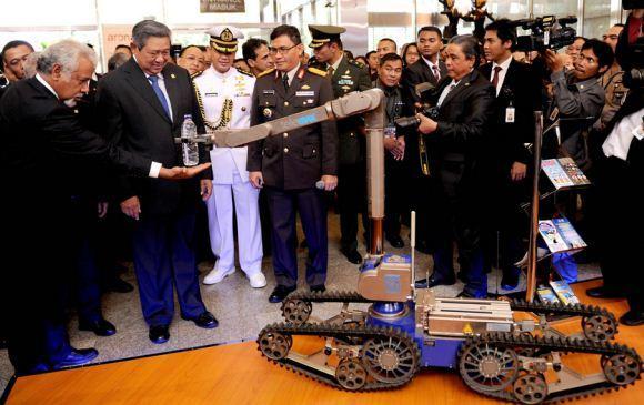 Presiden SBY kunjungi pameran pertahanan JIDD