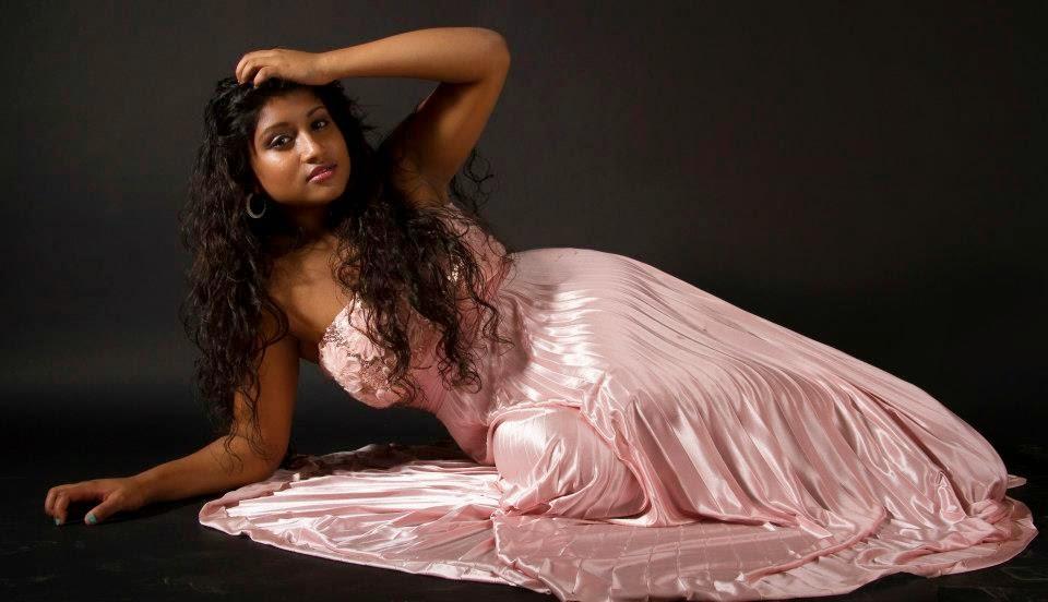 Kaveesha Kavindi pink
