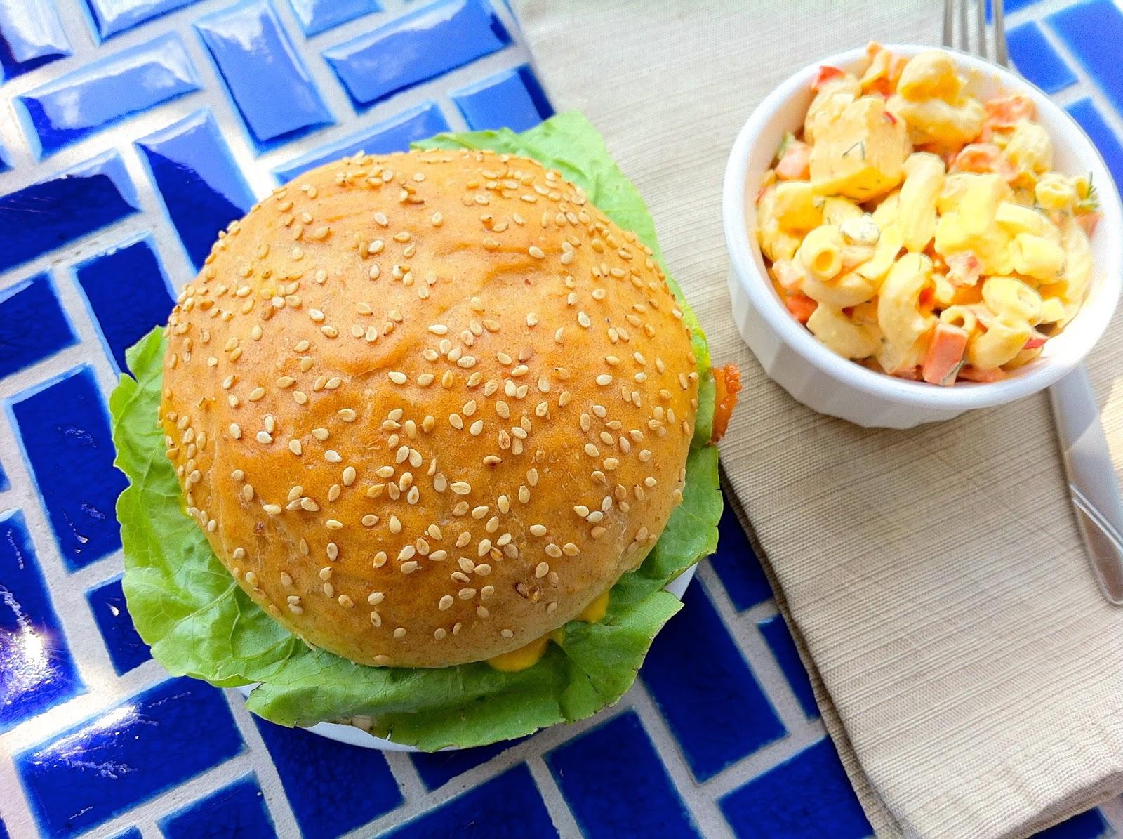 Hamburger Bun, Overhead