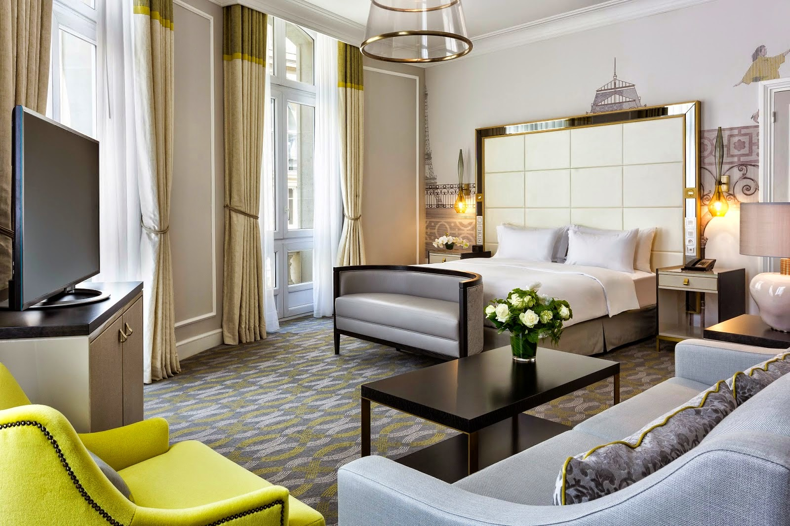 High Culture and Low Cost Hotels in Paris