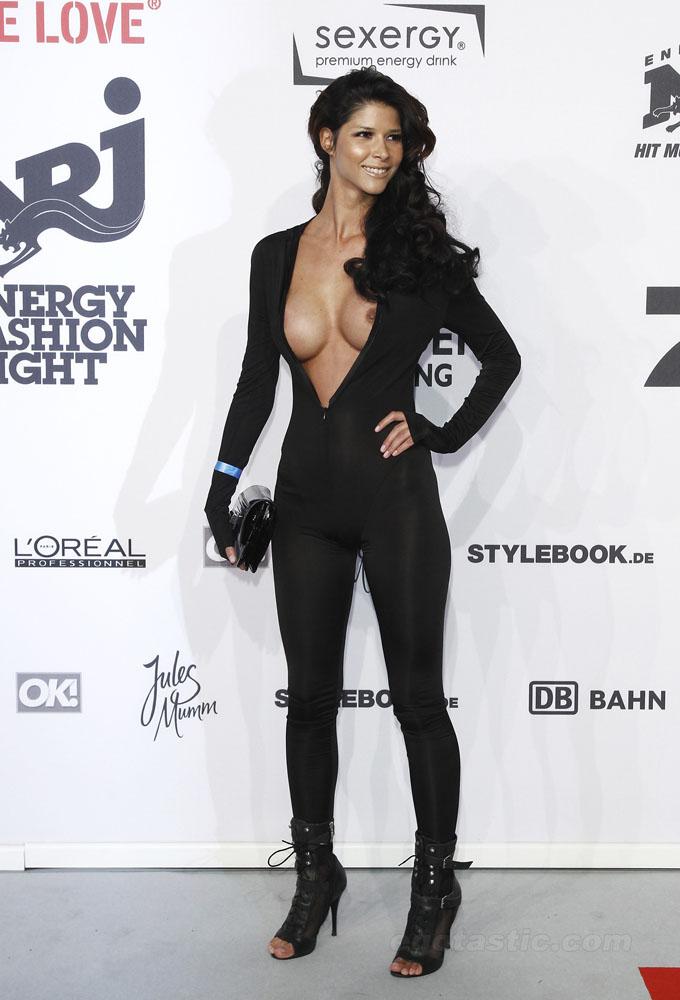 Zuhal Topal Frikik Bikini Dekolte Serisi 2014 Canay TV