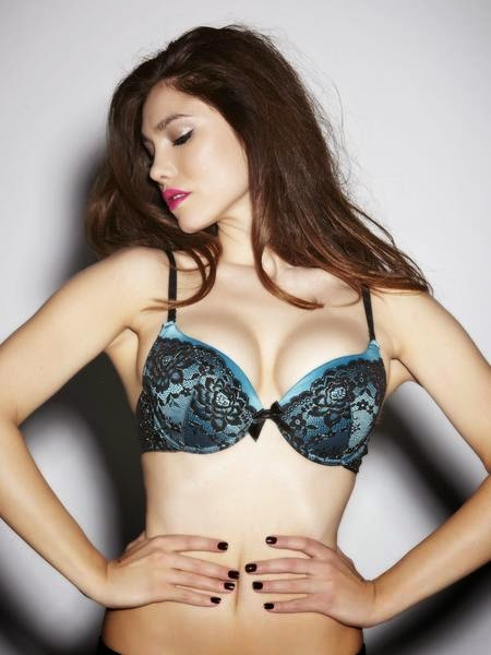 http://www.annsummers.com/p/extreme-boost-teal/black-multiway-plunge-bra/01brpgas1251110#reviews