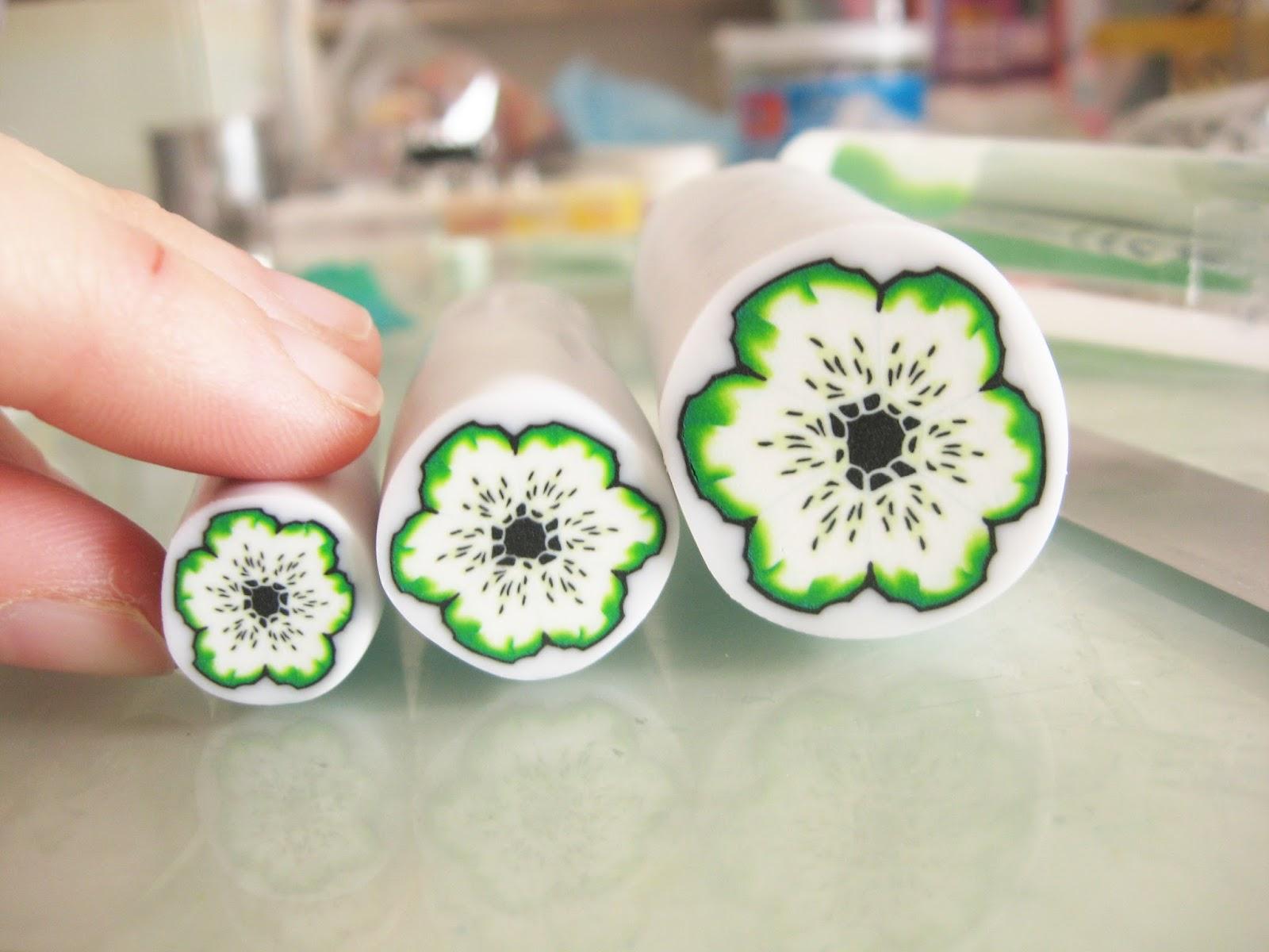cane polymer claus fleur verte