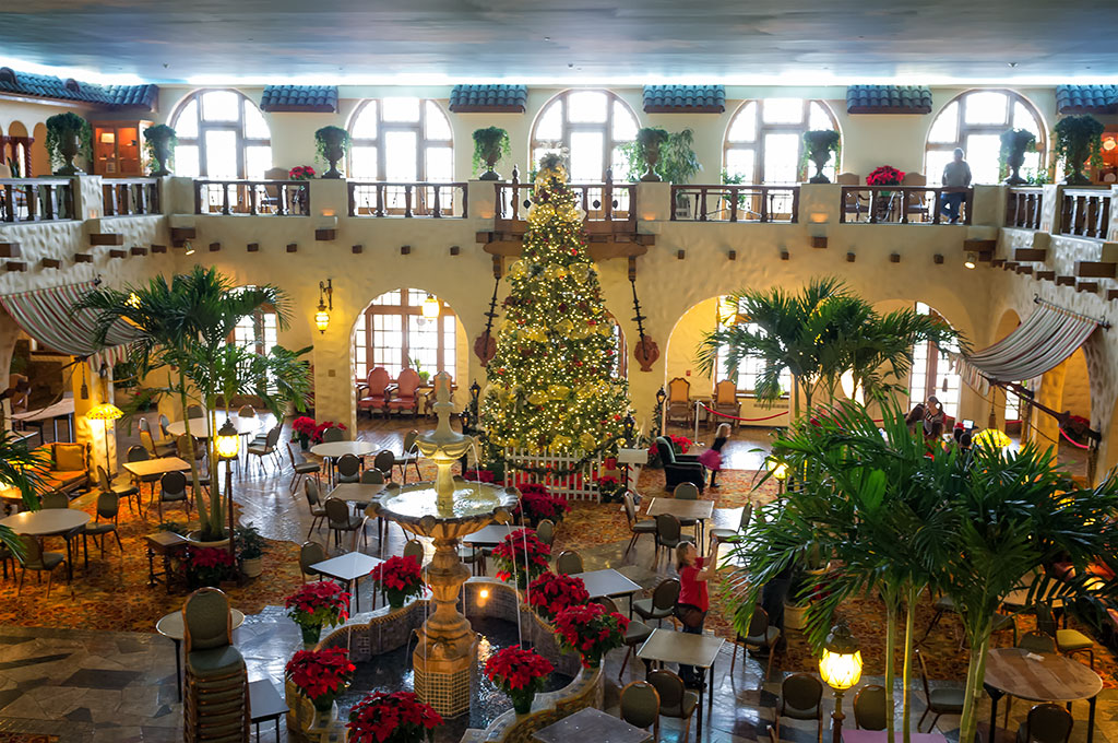 hotel hershey at christmas