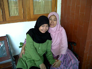 a girl who loves her ​​mother {}