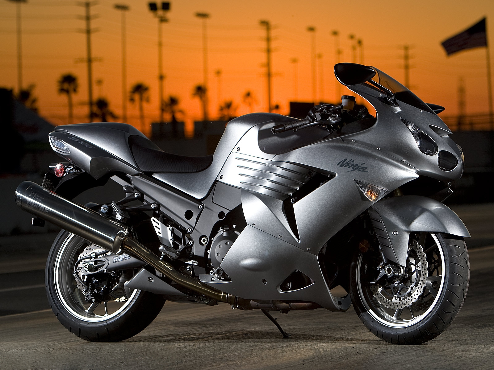 Top 10 Fastest Heavy Motorbikes in the World 2014