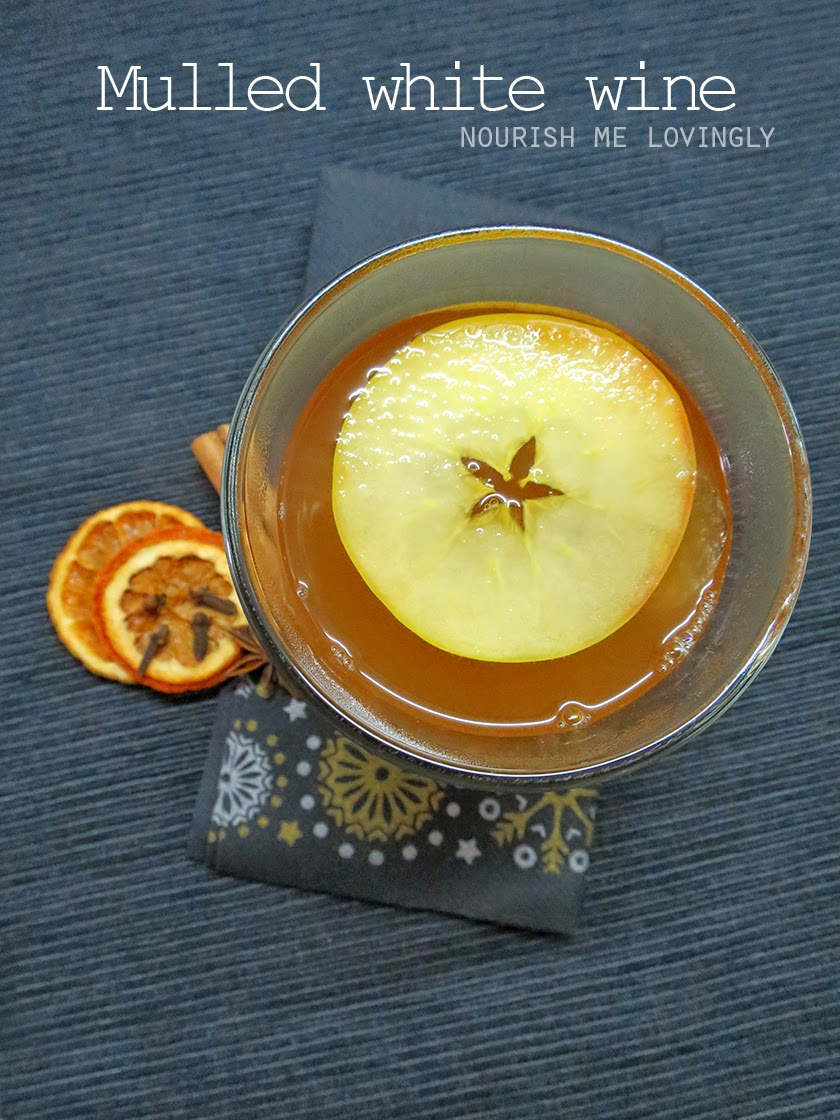 Fruit & spice mulled white wine