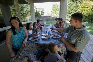 Older moms buck trend of fewer births - SHNS photo by Jose Luis Villegas / The Sacramento Bee