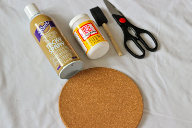 Diy+how+to+cover+a+cork+board+with+fabric 2