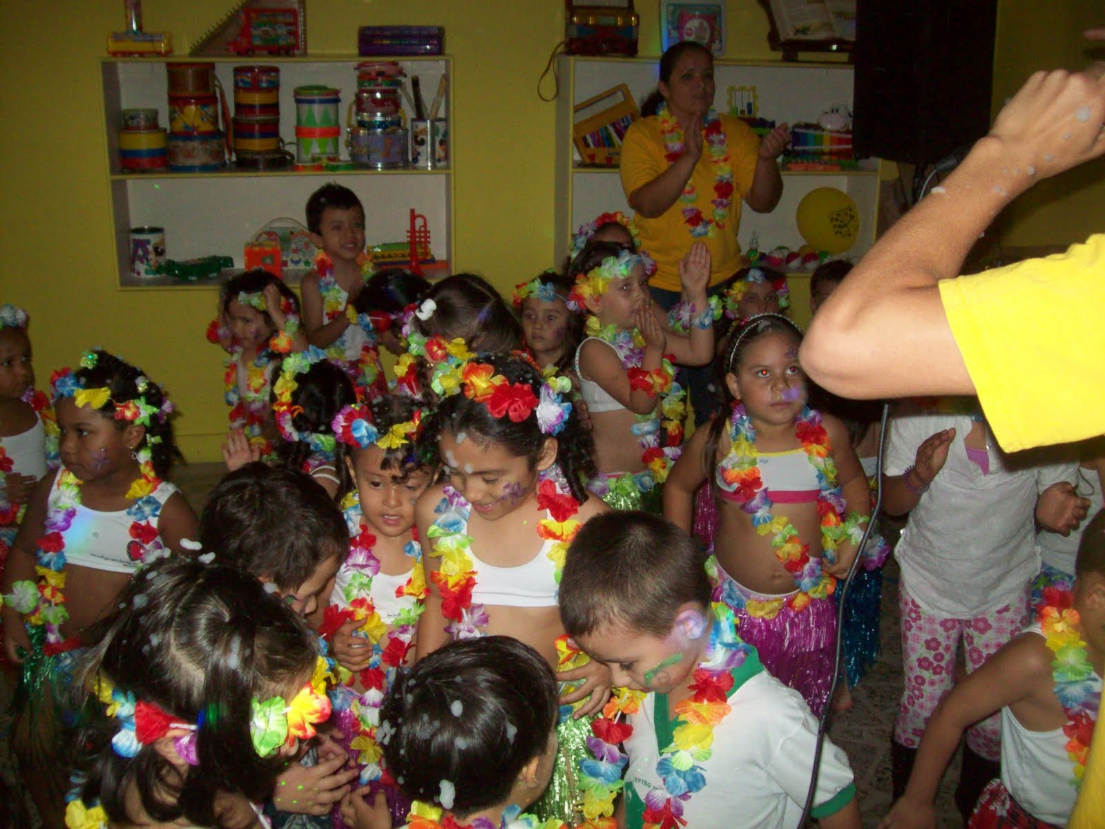 Fiesta infantil hawaiana cumpleaos chiquiteca fiestas - Fiesta infantil tematica ...