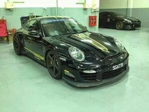 Kemalangan Kereta Porsche Dua Warga Singapura Maut