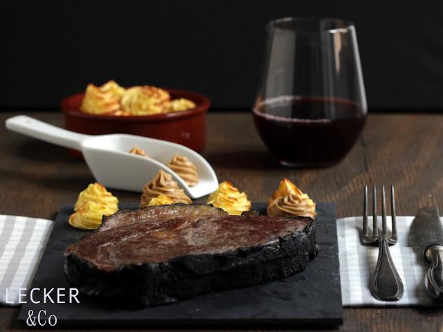 Asche, Asche-Aged, Steak, Beef, Kräuterbutter, Asiabutter, Asia, Butter, Kartoffeln, Herzoginkartoffeln, Ribeye Steak