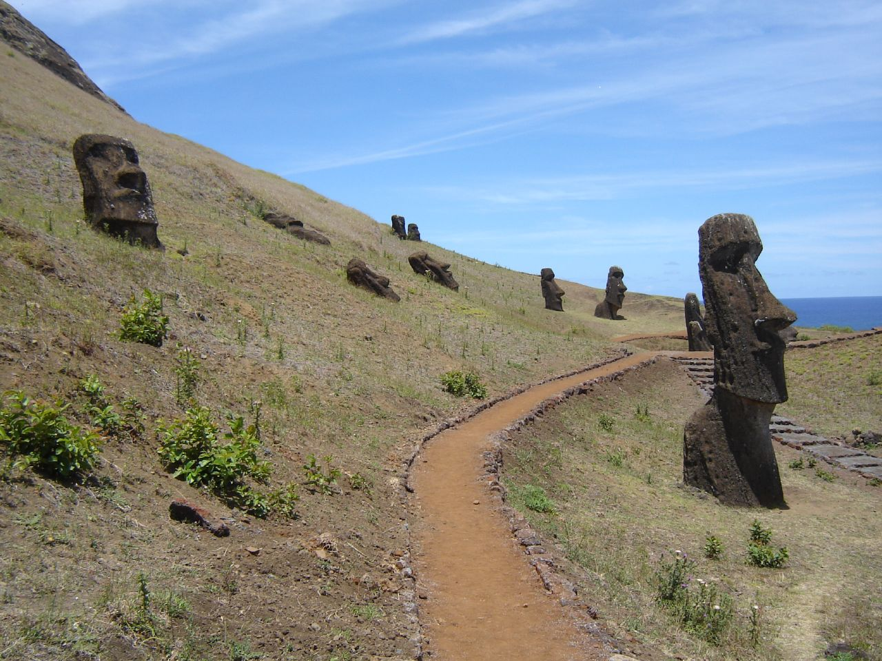 what a wonderful world easter island statues. Black Bedroom Furniture Sets. Home Design Ideas