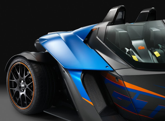 KTM X-Bow GT: Now with Windows!