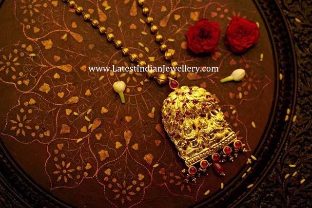 Gold Radha Krishna Pendant