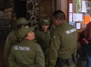 http://www.jornada.unam.mx/ultimas/2013/12/22/anuncian-creacion-de-policia-comunitaria-en-parangaricutiro-michoacan-7858.html