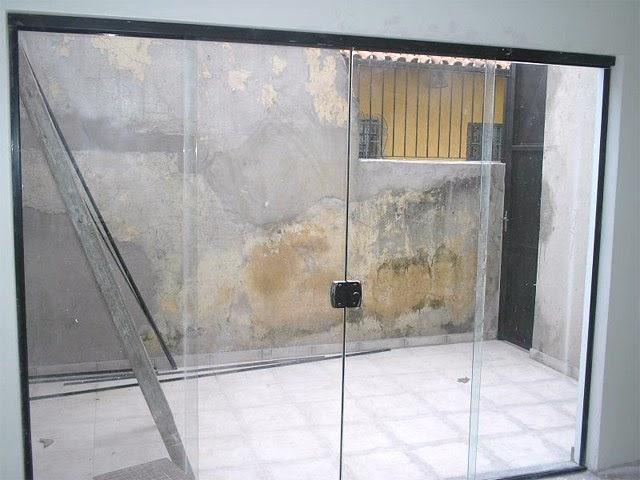 Alure alum nio e vidros porta de correr 4 folhas com for Porta 4 folhas de vidro temperado