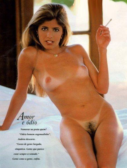 Pelada Em Ensaio Publicado Originalmente Na Playboy Mar O De