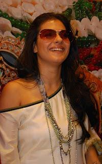 Kajol Devgn wearing a dazzling goggles
