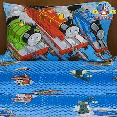 Pleasant sleeping environment cool kiddies comforter and coordinating Thomas tank engine sheet set
