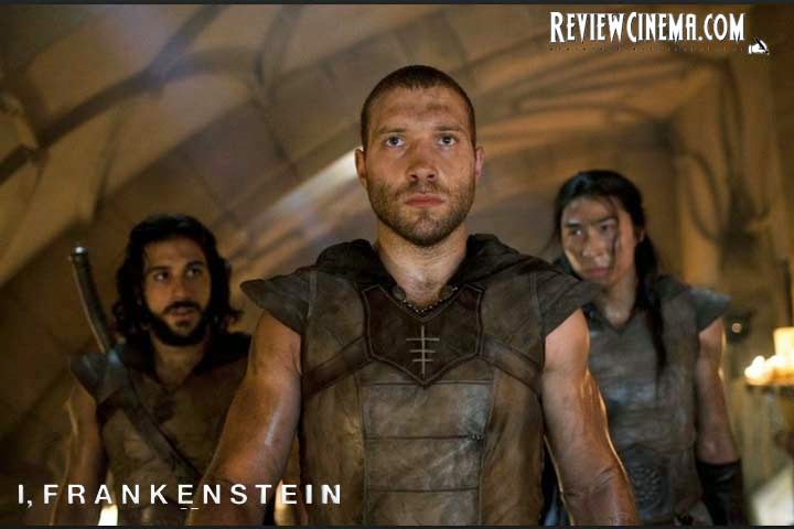 "<img src=""I, Frankenstein.jpg"" alt=""I, Frankenstein Gargoyles army, Gideon and friends"">"