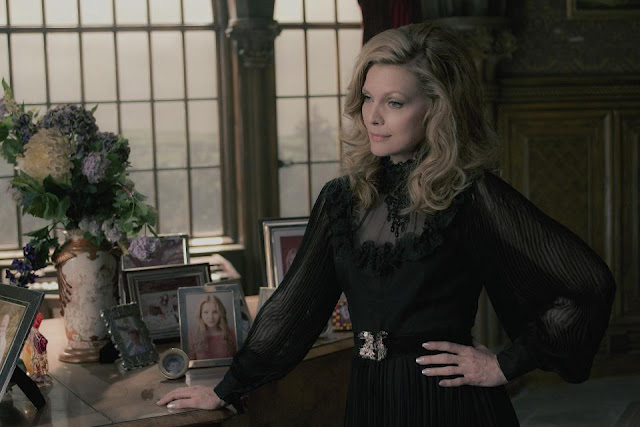 Dark Shadows 2012 Angelique